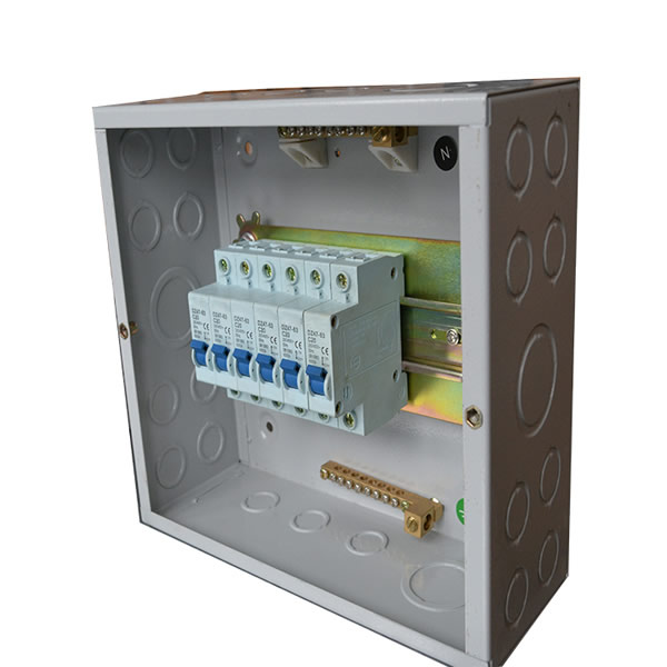 Fire distribution box effectively insulates fire